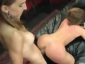 Muscled shemale hard fucking female hooker in the ass